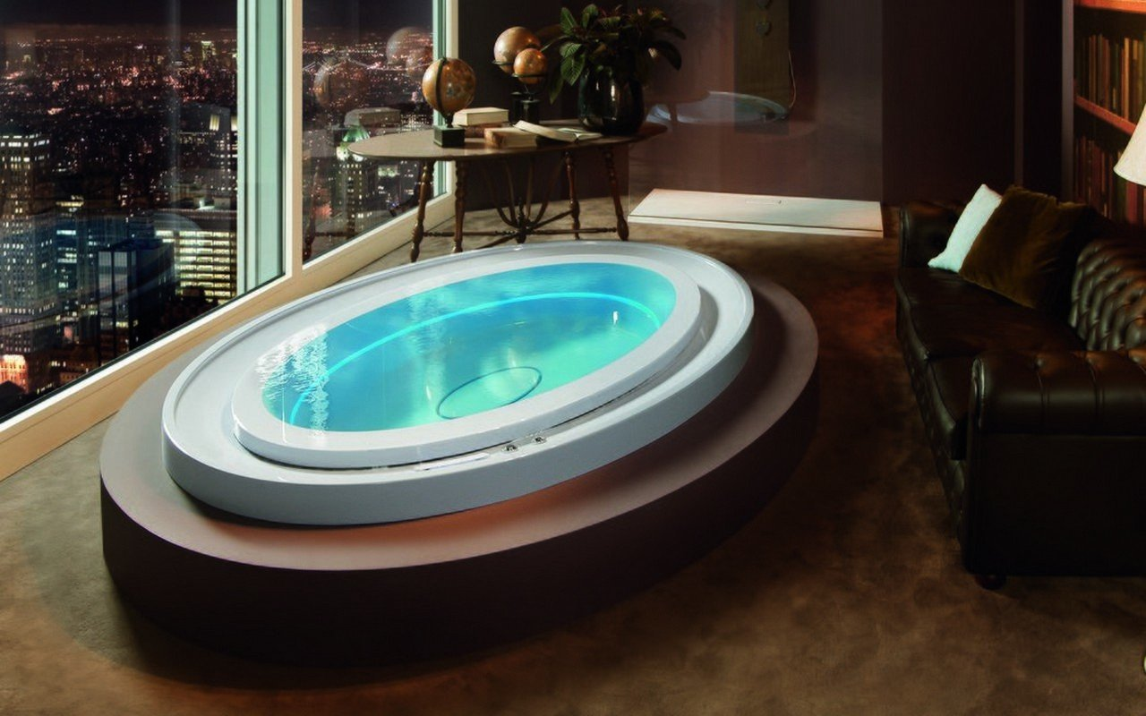 Luxury hydrotherapy water jetted hot tub