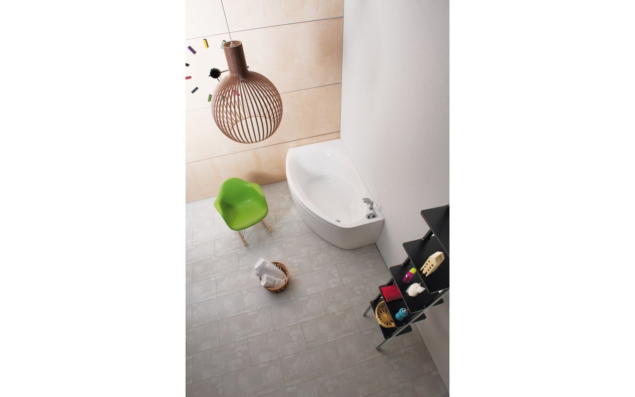 Anette a r wht corner acrylic bathtub 02 web