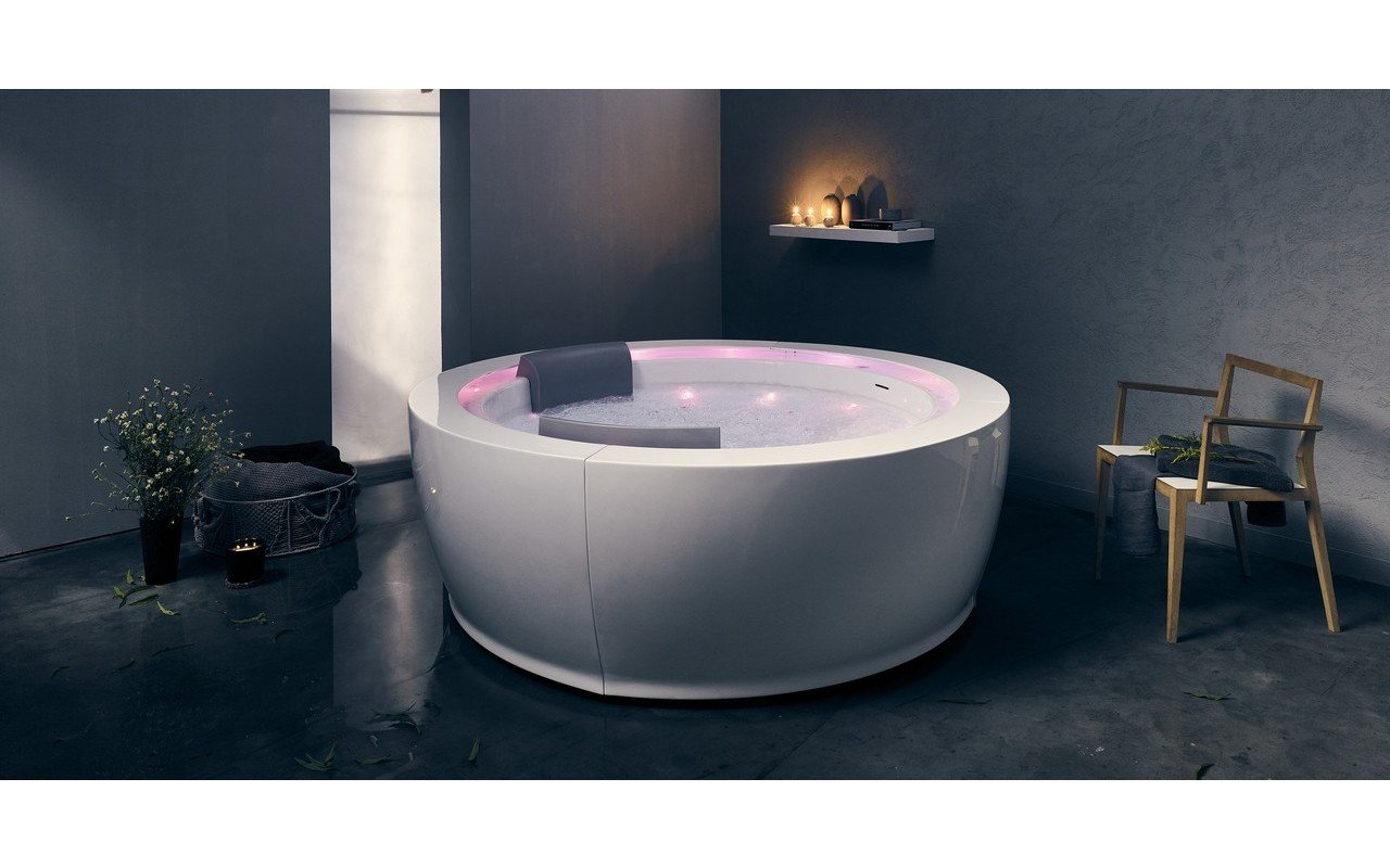 Aquatica Infinity R1 Heated Therapy Bathtub 02