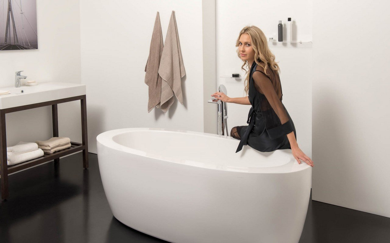 Aquatica PureScape 174B Freestanding Acrylic Bathtub DSC2739 WEB