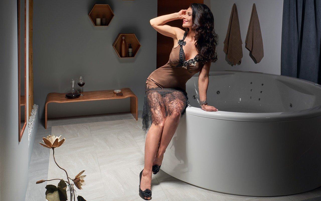 Aquatica allegra wht spa jetted bathtub usa web 02