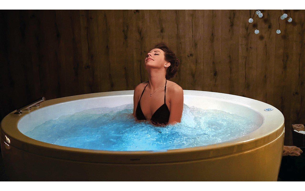 Aquatica pamela wht relax freestanding acrylic bathtub USA web 04