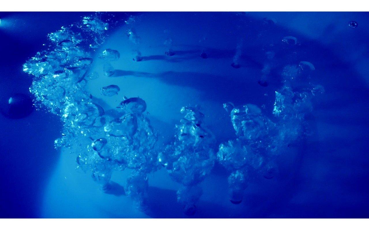 Aquatica pamela wht relax freestanding acrylic bathtub bubbles web 02