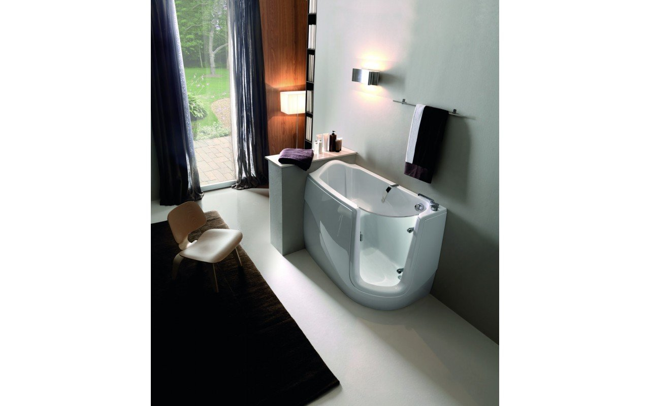 Baby Boomer R Tranquility Heated Corner Walk In Bathtub web 01