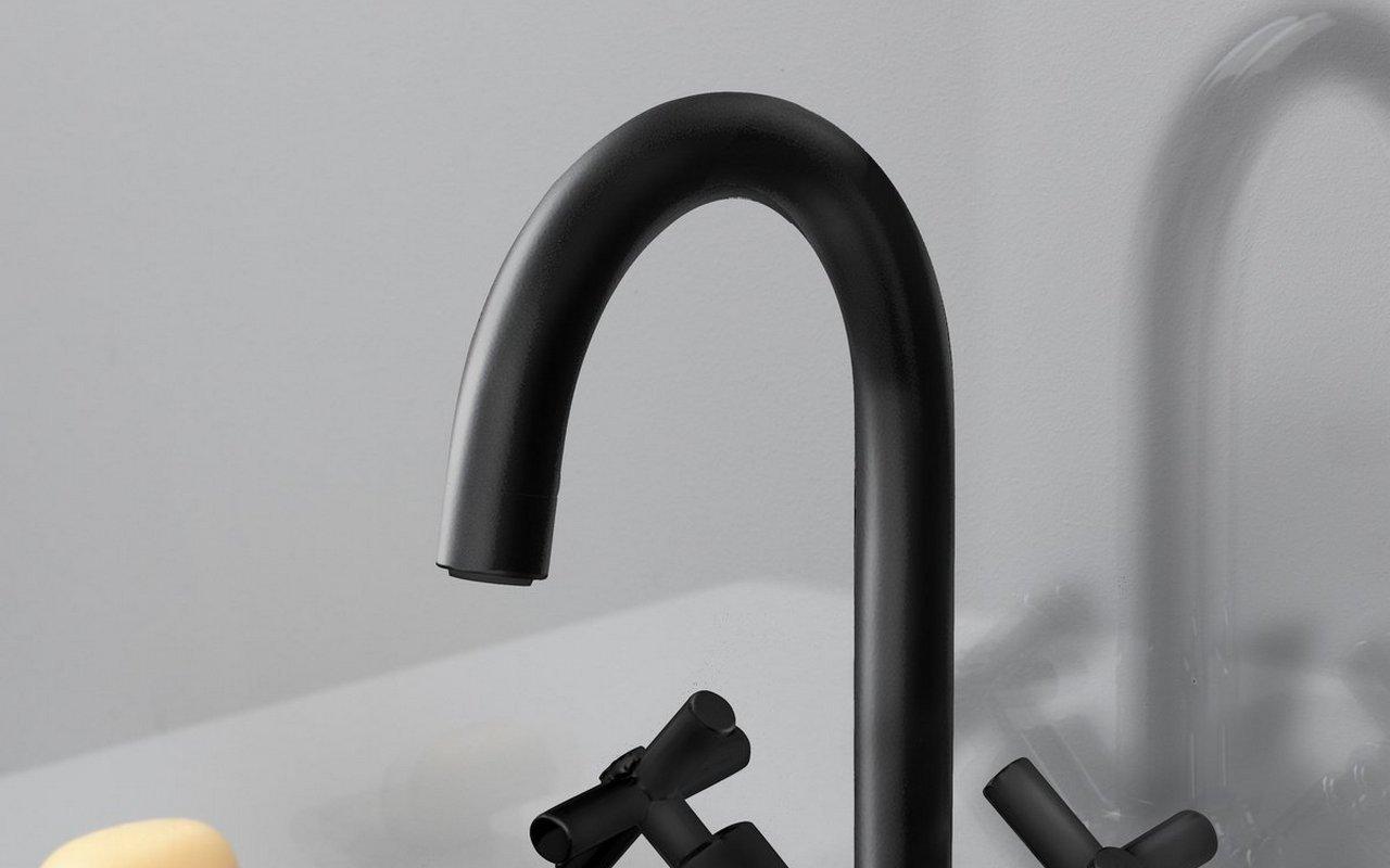 Celine 7 Sink Faucet (SKU 226) Black Matte 02 (web)