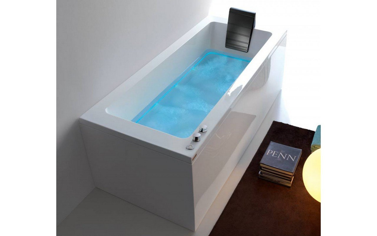 Dream Rechta A outdoor hydromassage bathtub 01 web