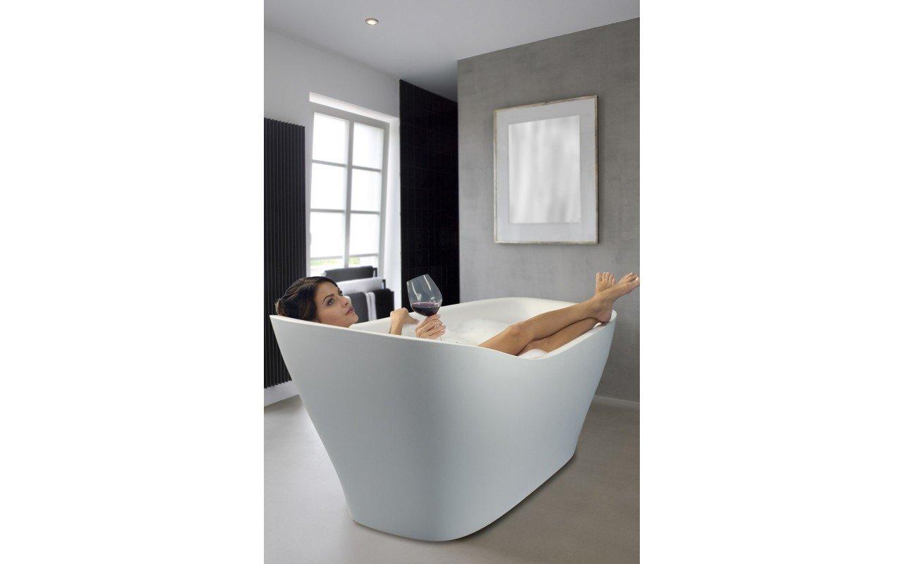 Emmanuelle Wht Freestanding AquaStone Bath web (5)