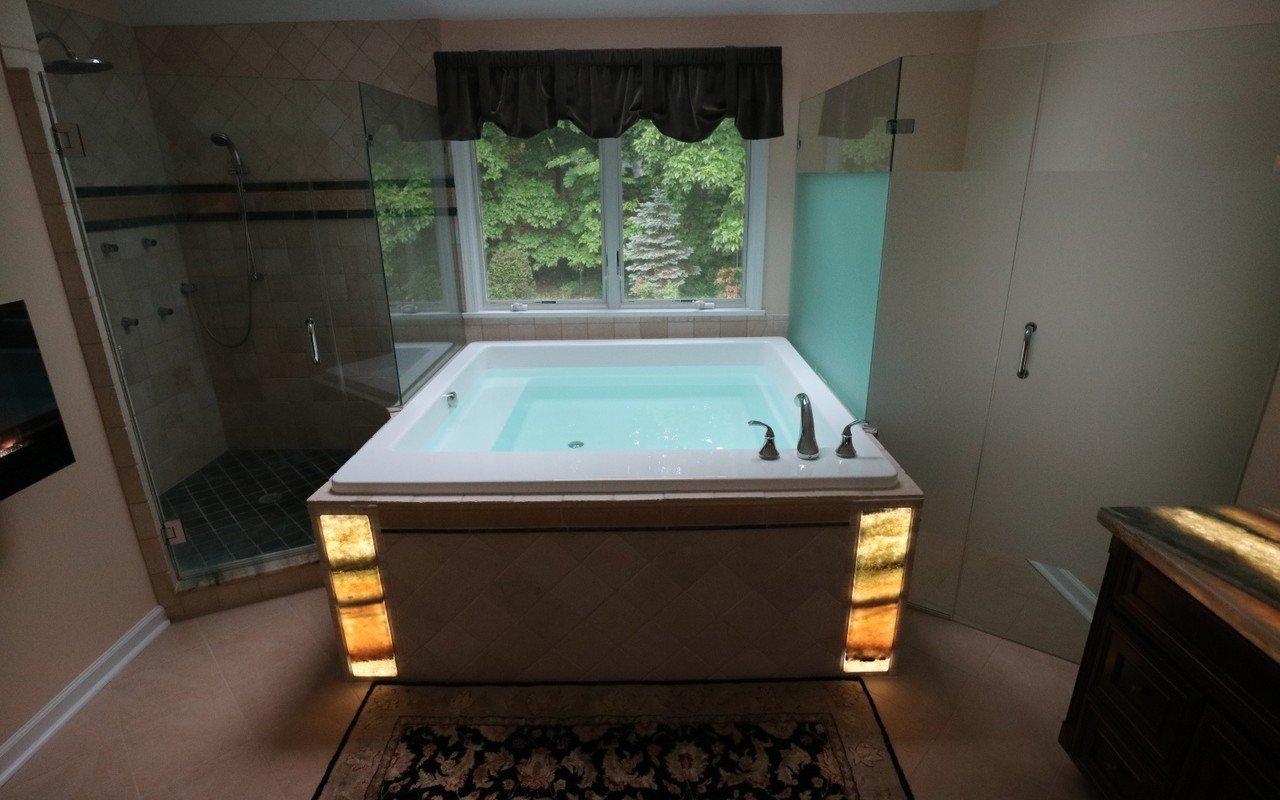 Lacus wht drop in acrylic bathtub by Aquatica 01 (web)