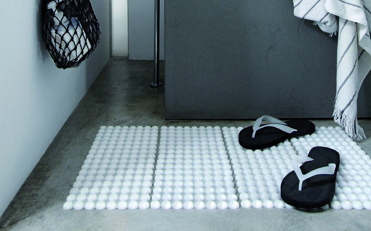 Aquatica Ovo Self Adhesive Backrest & Bath Shower Floor Mat picture № 0
