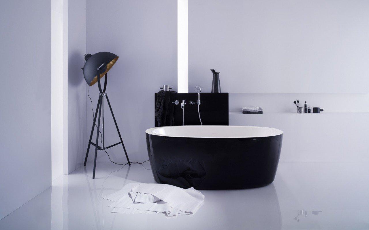 PureScape 174A Blck Wht Freestanding Acrylic Bathtub web (2)