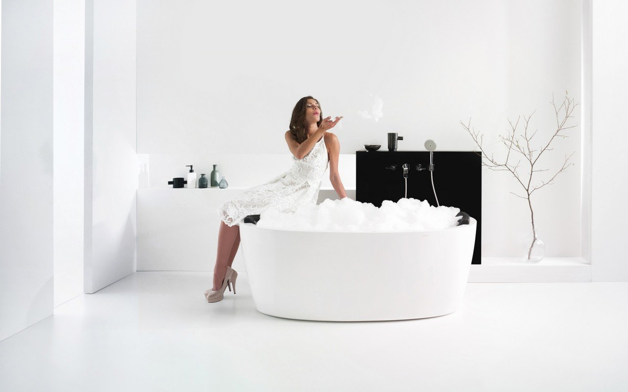 PureScape 174A Wht Freestanding Acrylic Bathtub web (3)