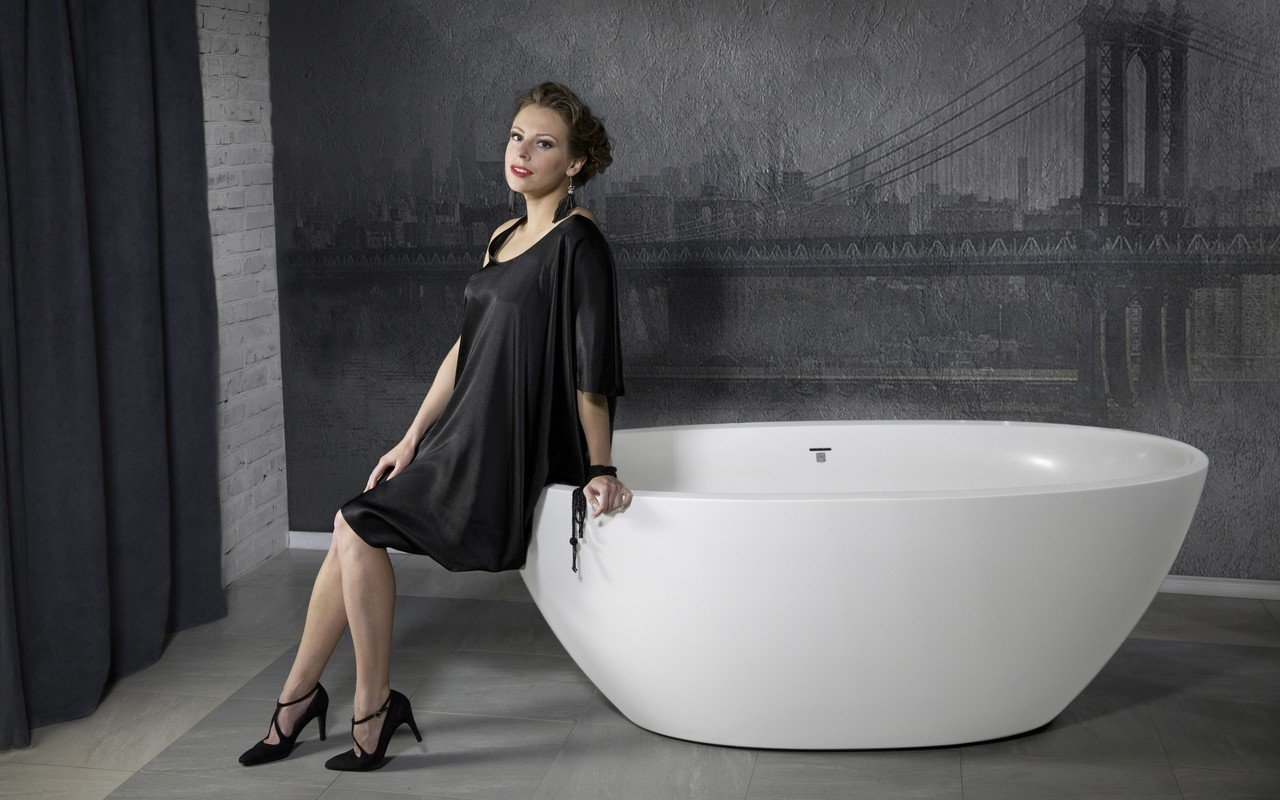 Sensuality mini f wht freestanding solid surface bathtub 01 1 (web)