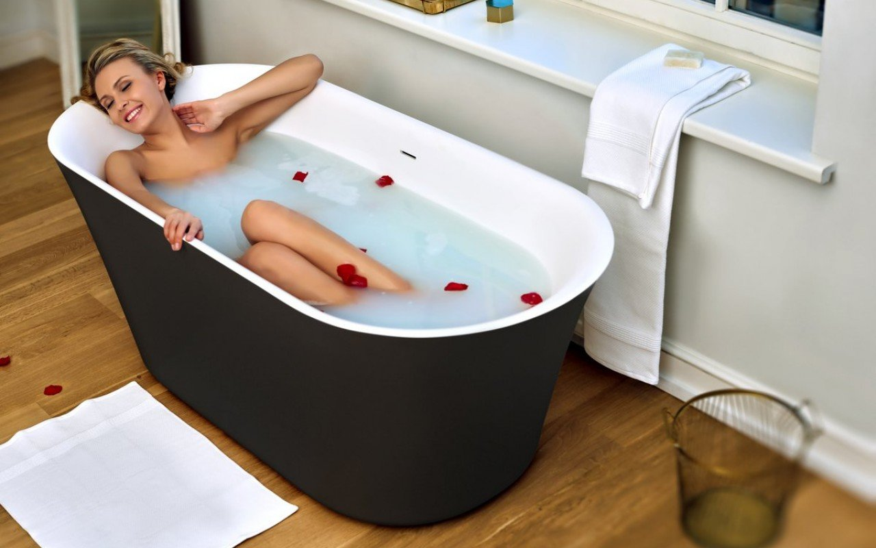 Aquatica Tulip-Blck-Wht™ Freestanding Solid Surface Bathtub picture № 0
