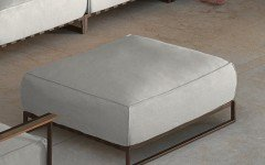 Casilda living corner garden pouf mokka and white beige cushions (web)