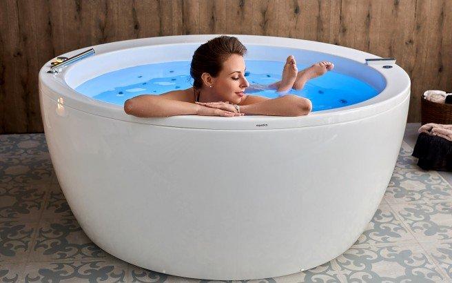 Aquatica pamela wht spa jetted bathtub web 01