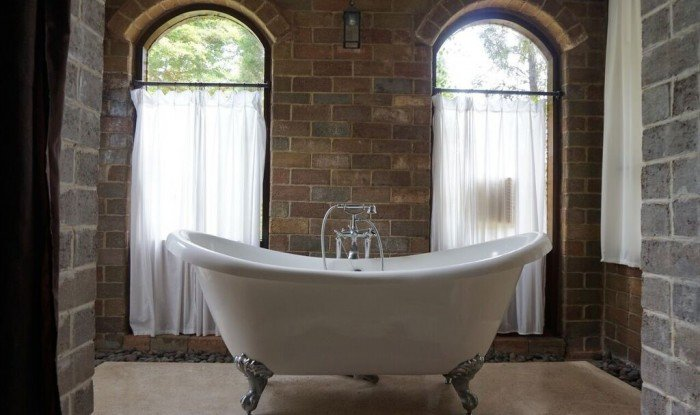 How to Create a Rustic Bathroom 4