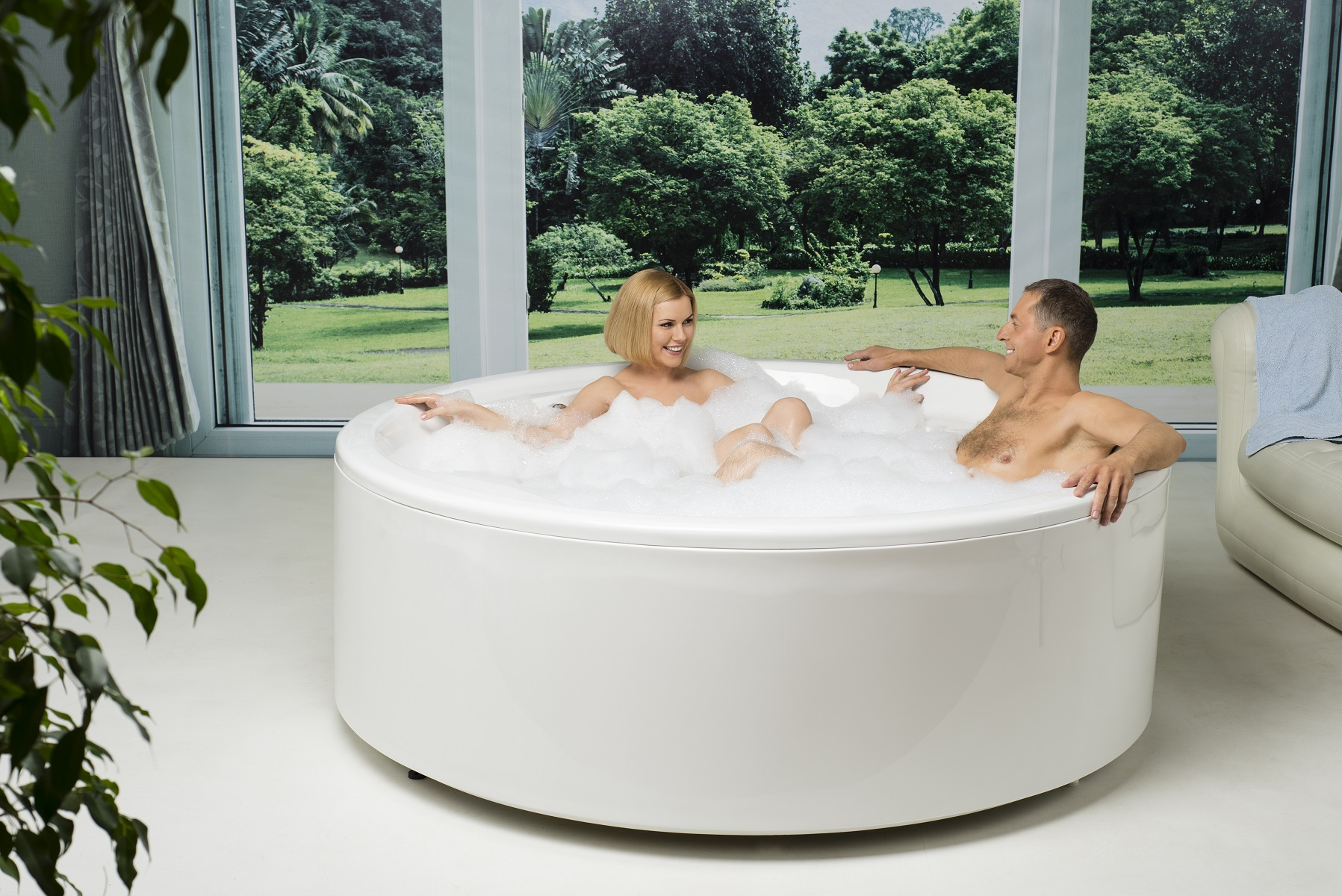 Allegra Round Freestanding Bathtub 3