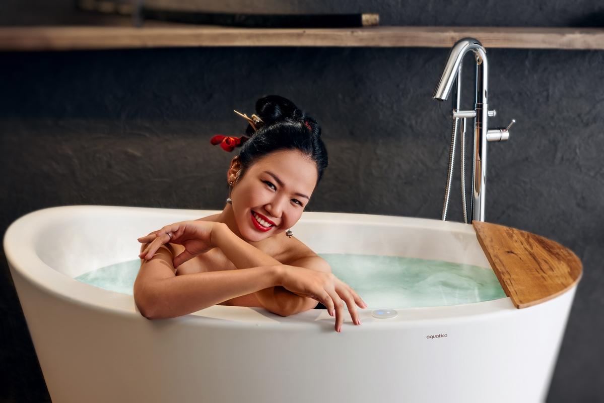 baignoire japonaise true ofuro chauff e par tranquility. Black Bedroom Furniture Sets. Home Design Ideas