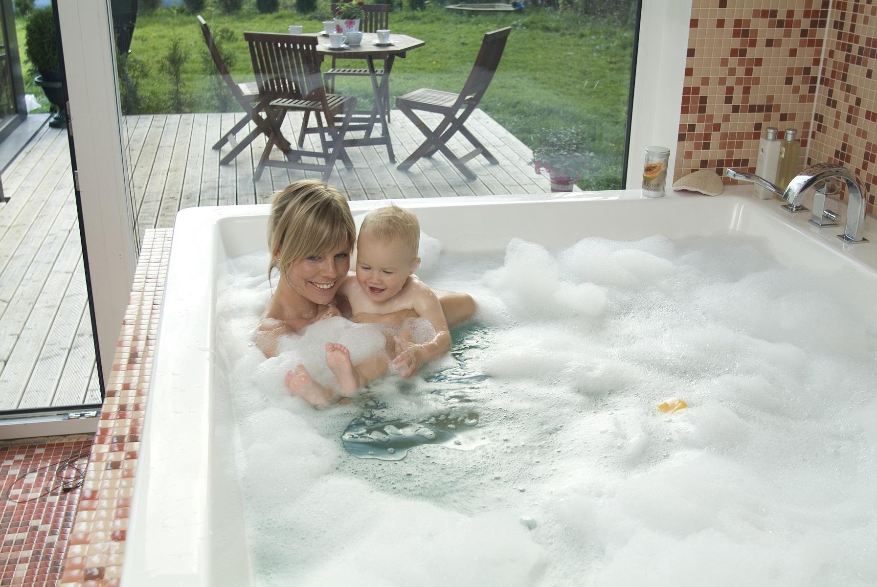 Whirlpool vs Air tub