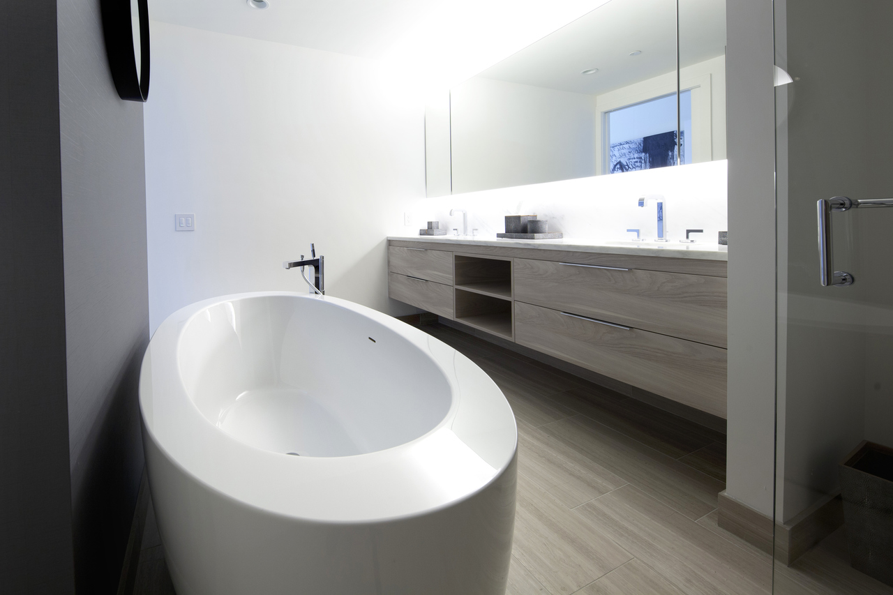 Purescape 174b wht freestanding acrylic bathtub main (web)