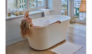Tulip par Aquatica® baignoire autoportante en Pierre à Surface Solide