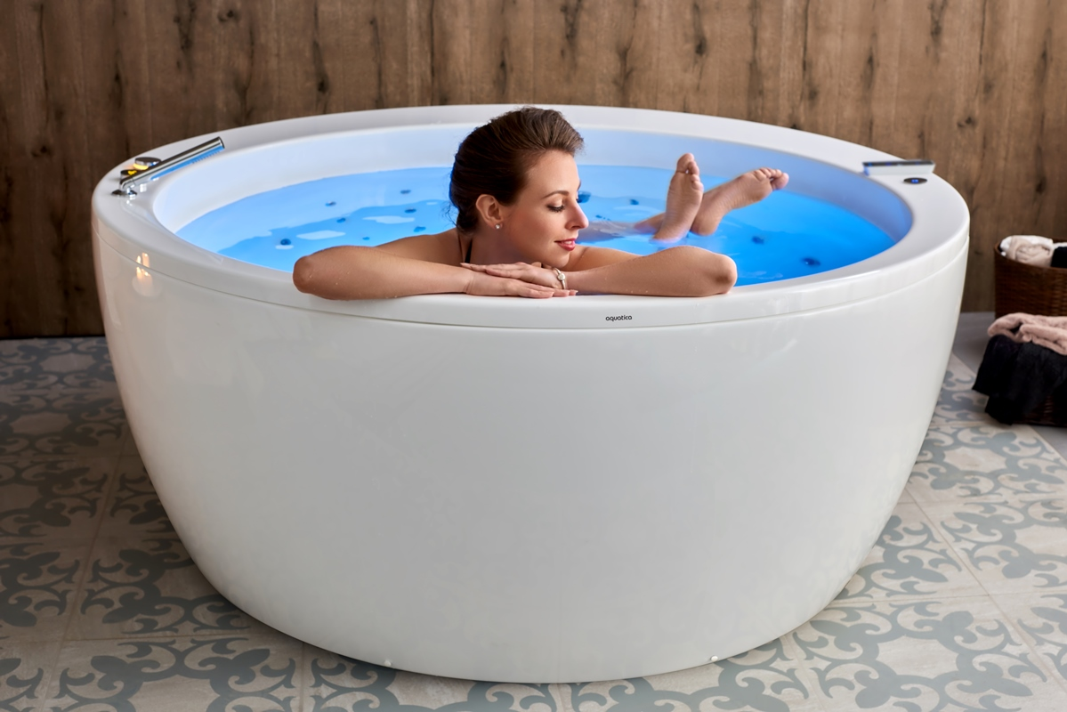 Hand-Crafted Luxury Bathtubs | Aquatica Group Canada