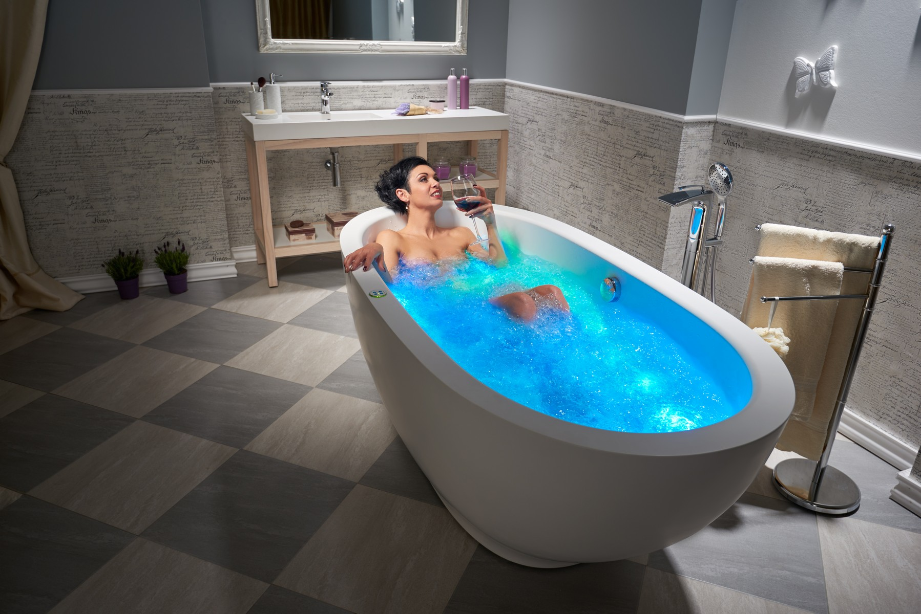 Whirlpool vs air tub for Soaking tub vs bathtub