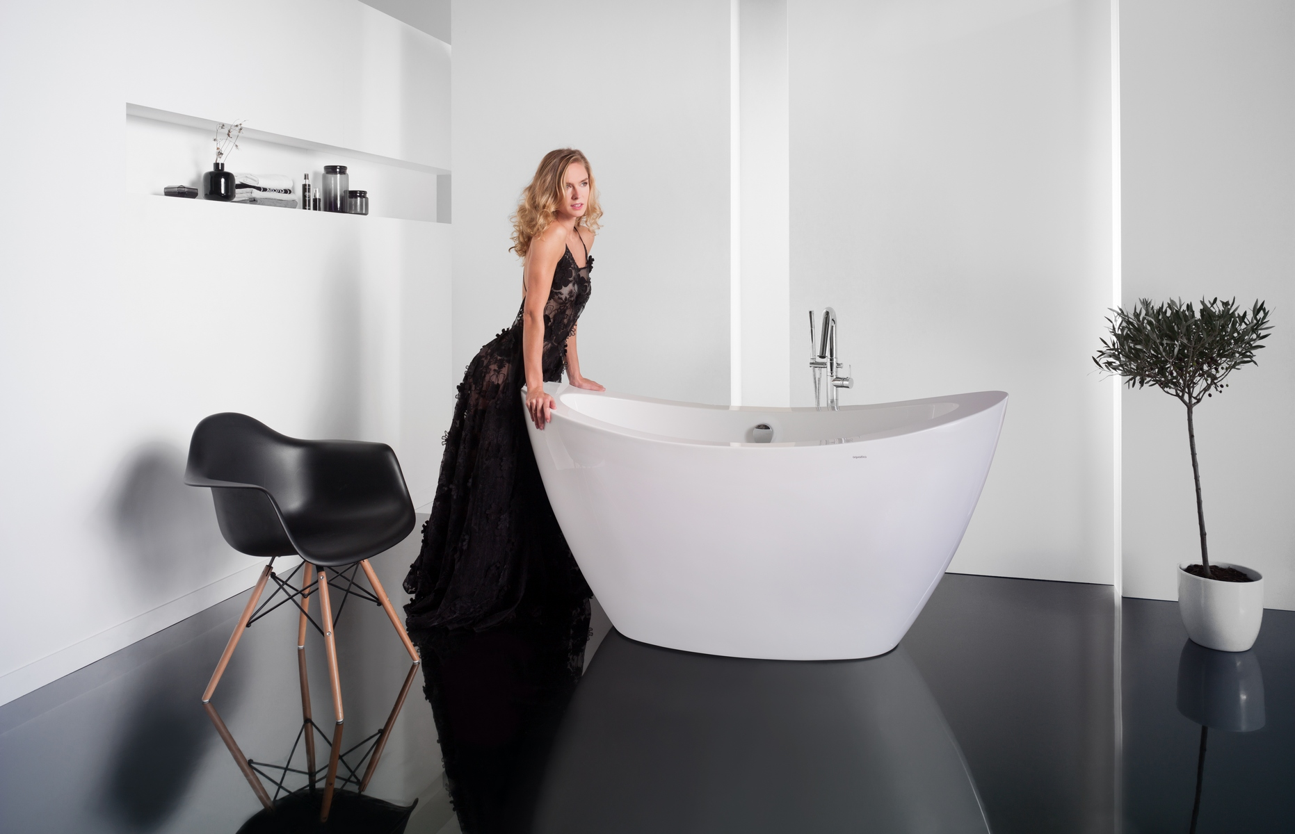 Which is better: Freestanding or Built-In Bathtubs?